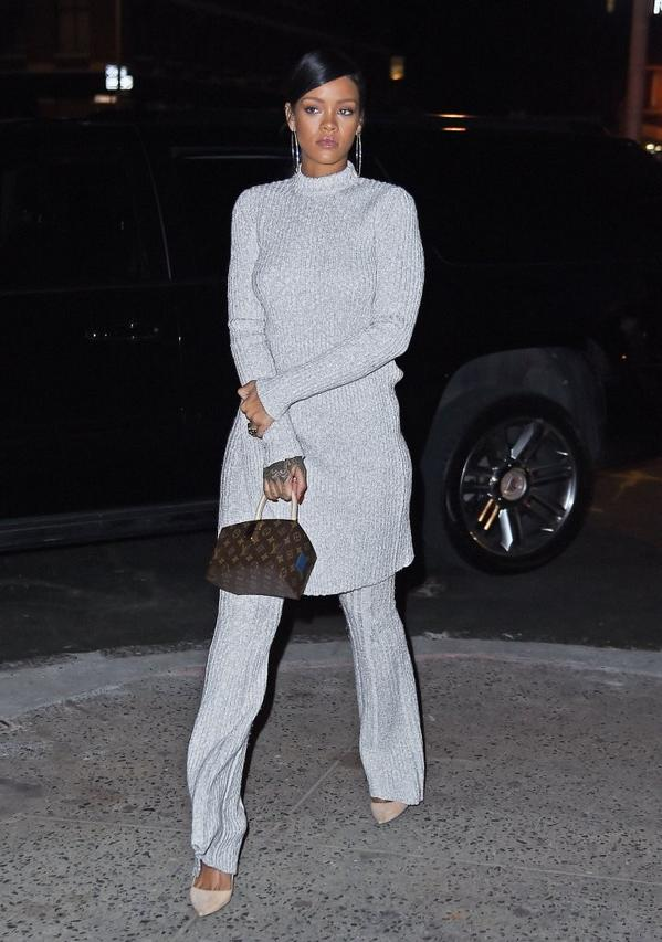 tunik Rihanna-Dines-At-Nobu-In-NYC-2